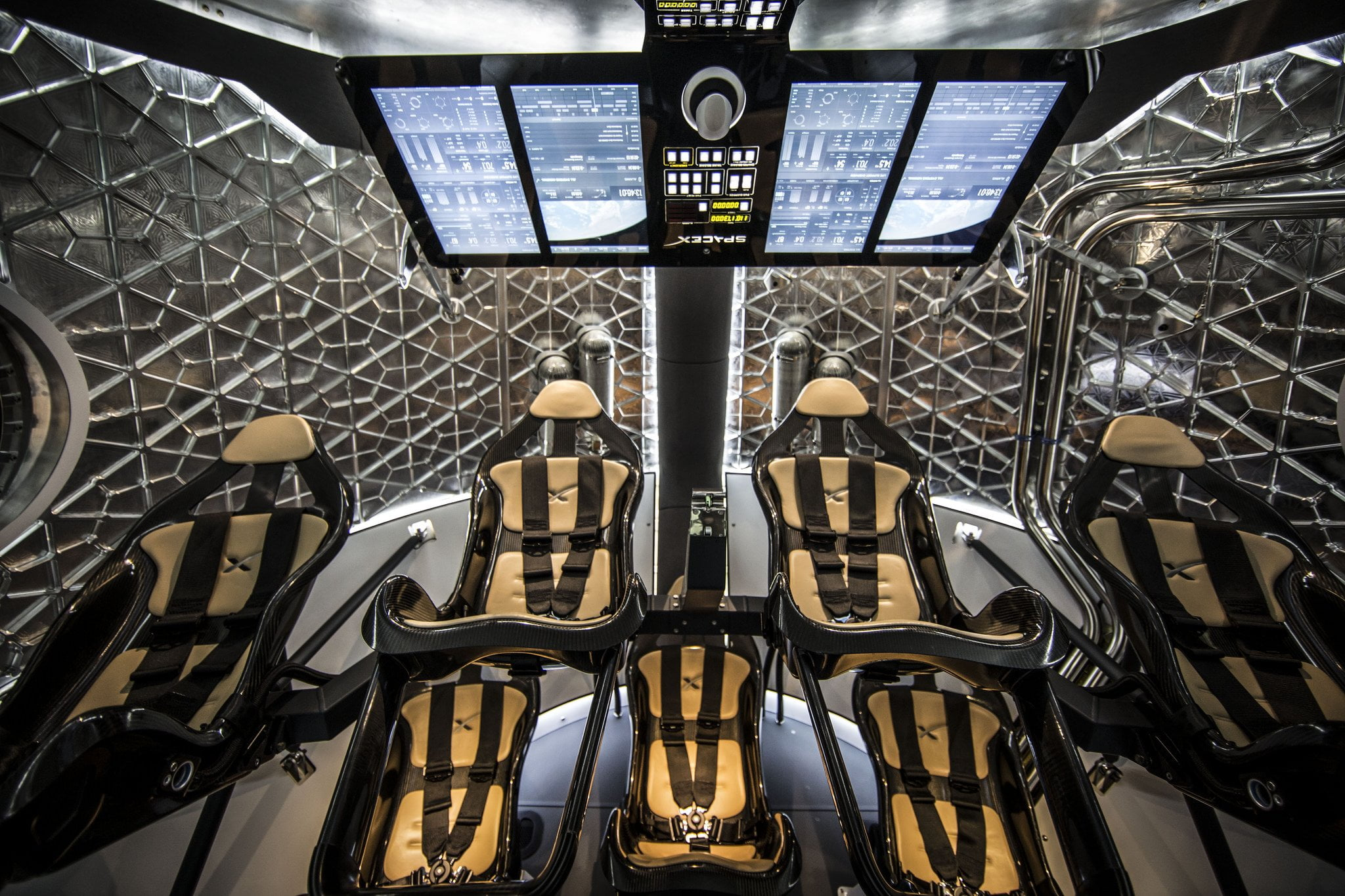 dragon interior spacex