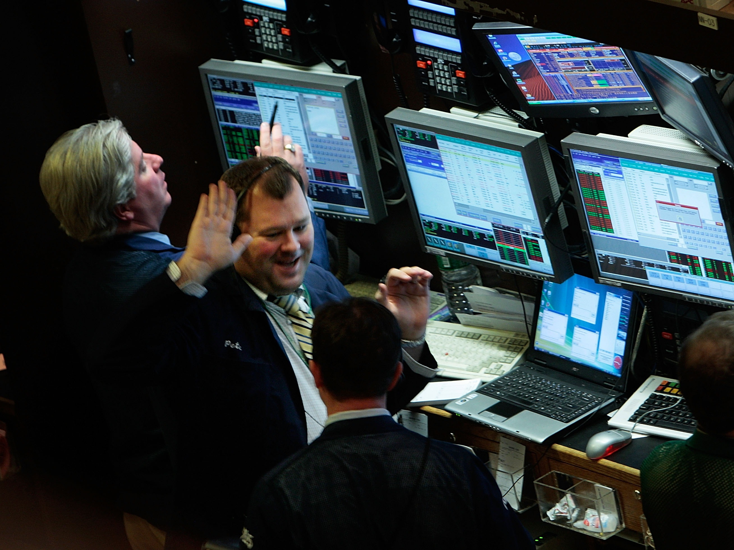 traders high five