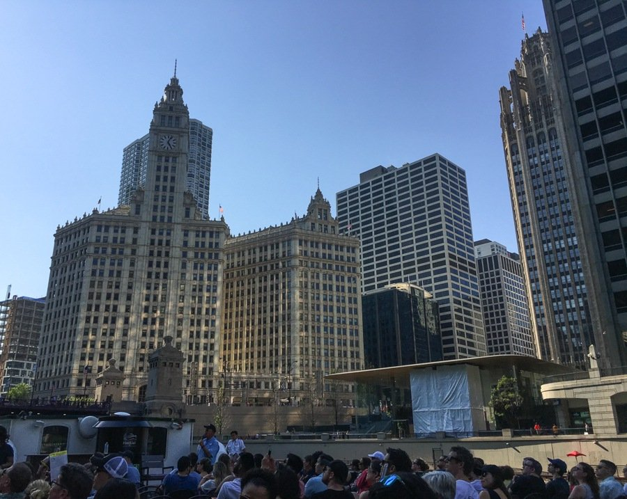 architecture boat tour things to do in chicago