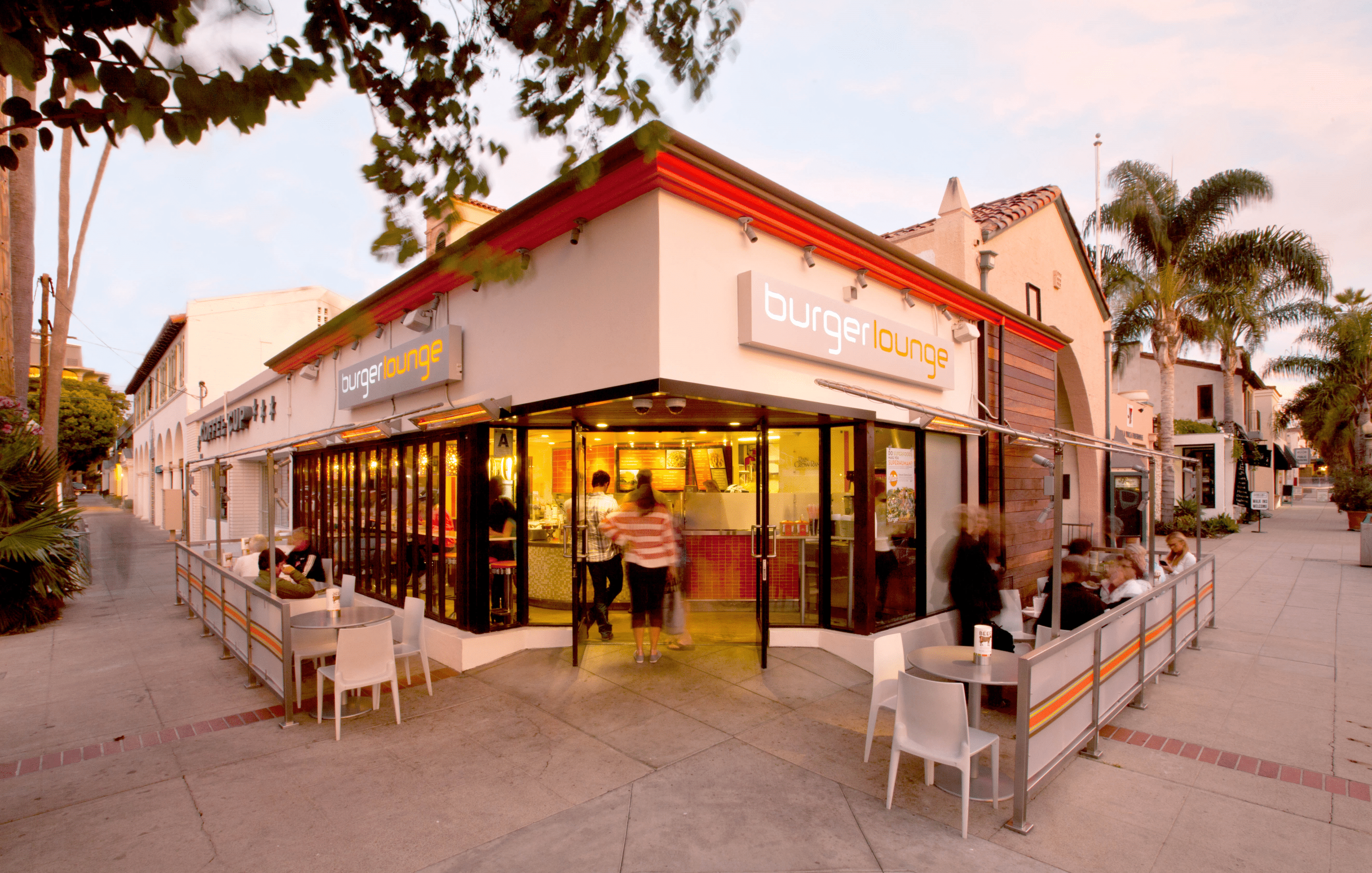 The exterior of the Burger Lounge in La Jolla.
