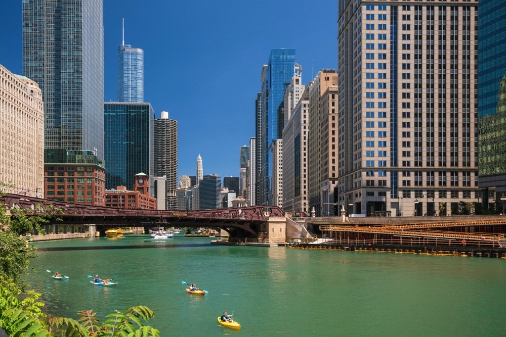 kayaking chicago river things to do in the summer