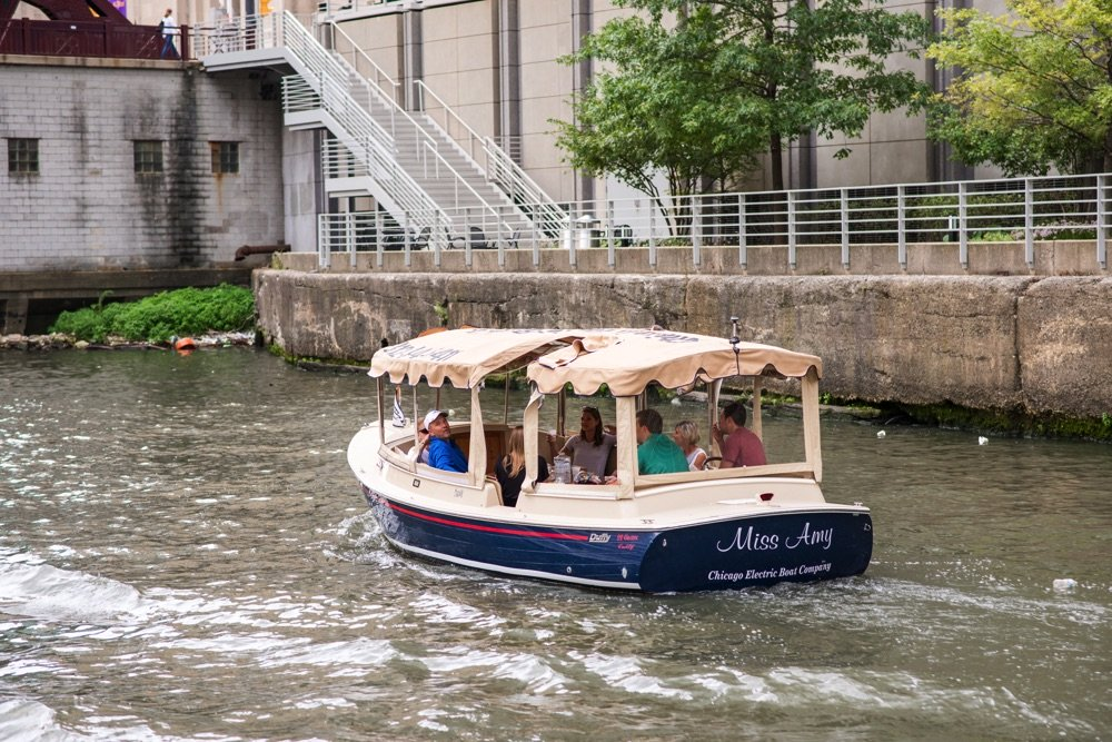 rent a boat independently and go on the chicago river